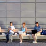 Почти две трети взрослых украинцев пользуются интернетом