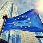 Еврокомиссия требует, чтобы соцсети активнее удаляли нелегальный контент
