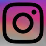 Instagram добавил строку смайликов для комментариев